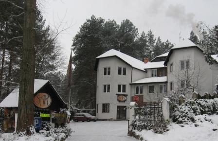 Hotel Olsztyn SAK - Zima pobieliła puszystym śniegiem.