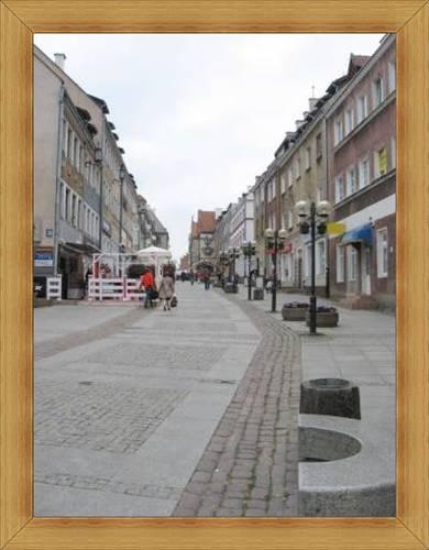 Stare miasto Olsztyn zabytki rynek i kamieniczki hotele restauracje