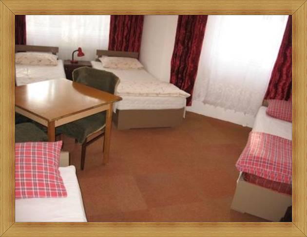 4-osobowe pokoje Olsztyn Hotel SAK tanie noclegi za osobę