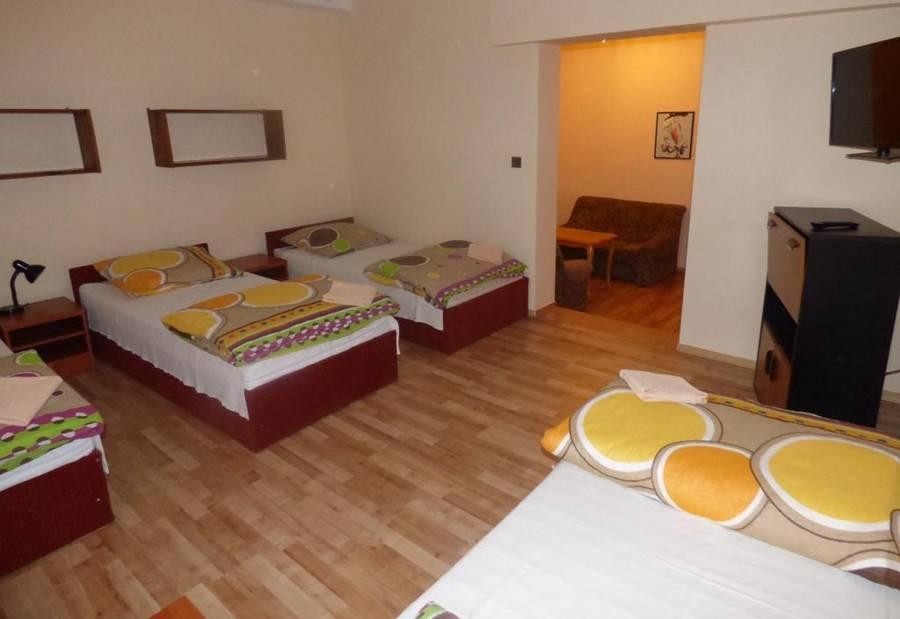 4-Osobowy Pokój z Łazienką SAK Hotel